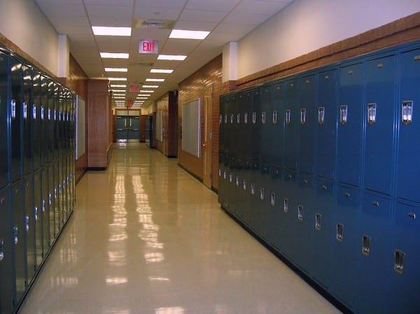 http://pixabay.com/en/school-lockers-hallway-high-school-417612/